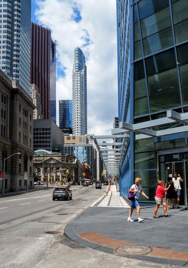 L Tower Yonge Street