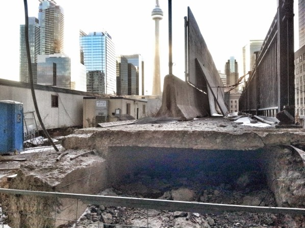 Yonge Street Rail Bridge with trailers to be removed October 17