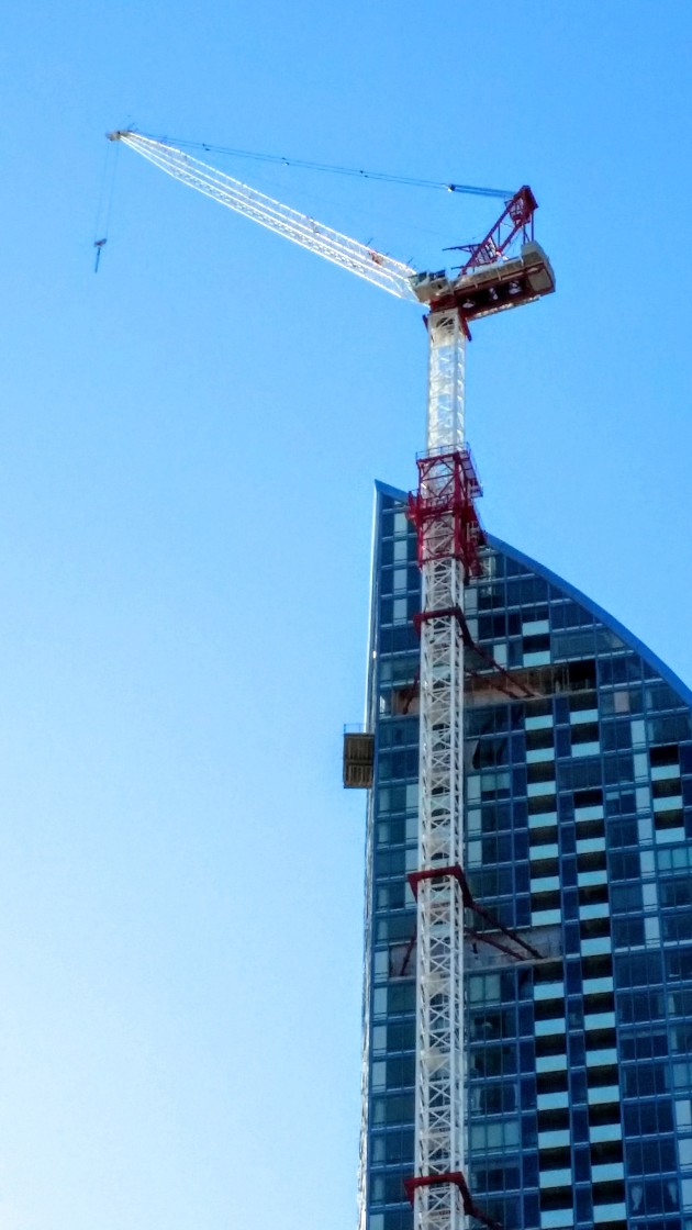 Tower crane at L Tower