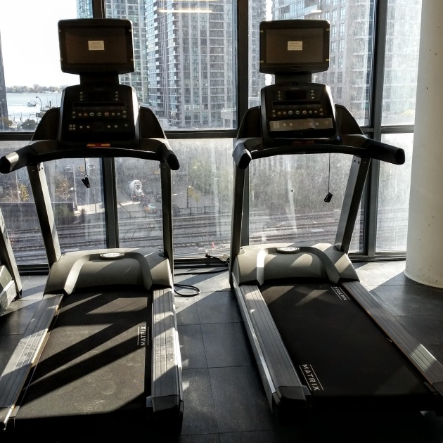 treadmills-installed-in-the-backstage-gym