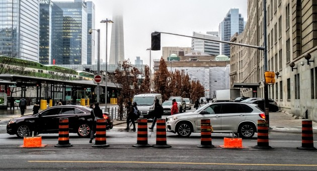 new-signalized-crossing-at-the-esplanade-and-yonge
