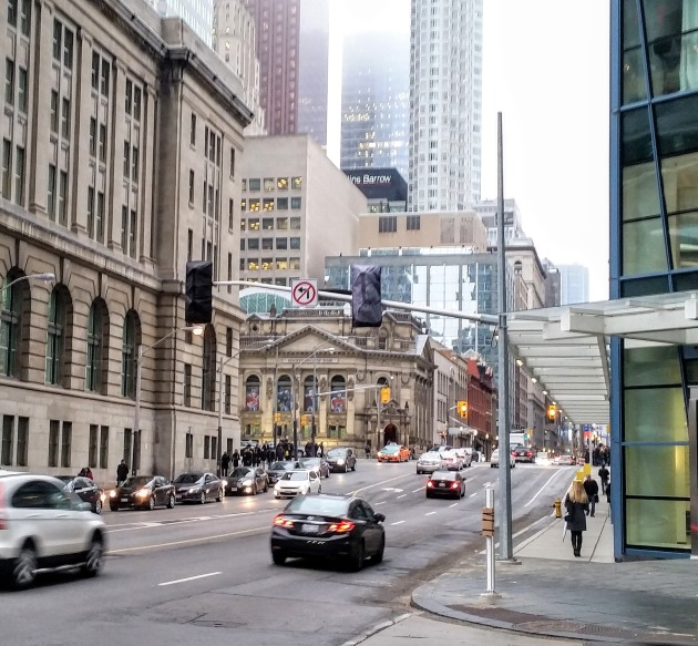 new-traffic-lights-at-yonge-and-the-esplanade